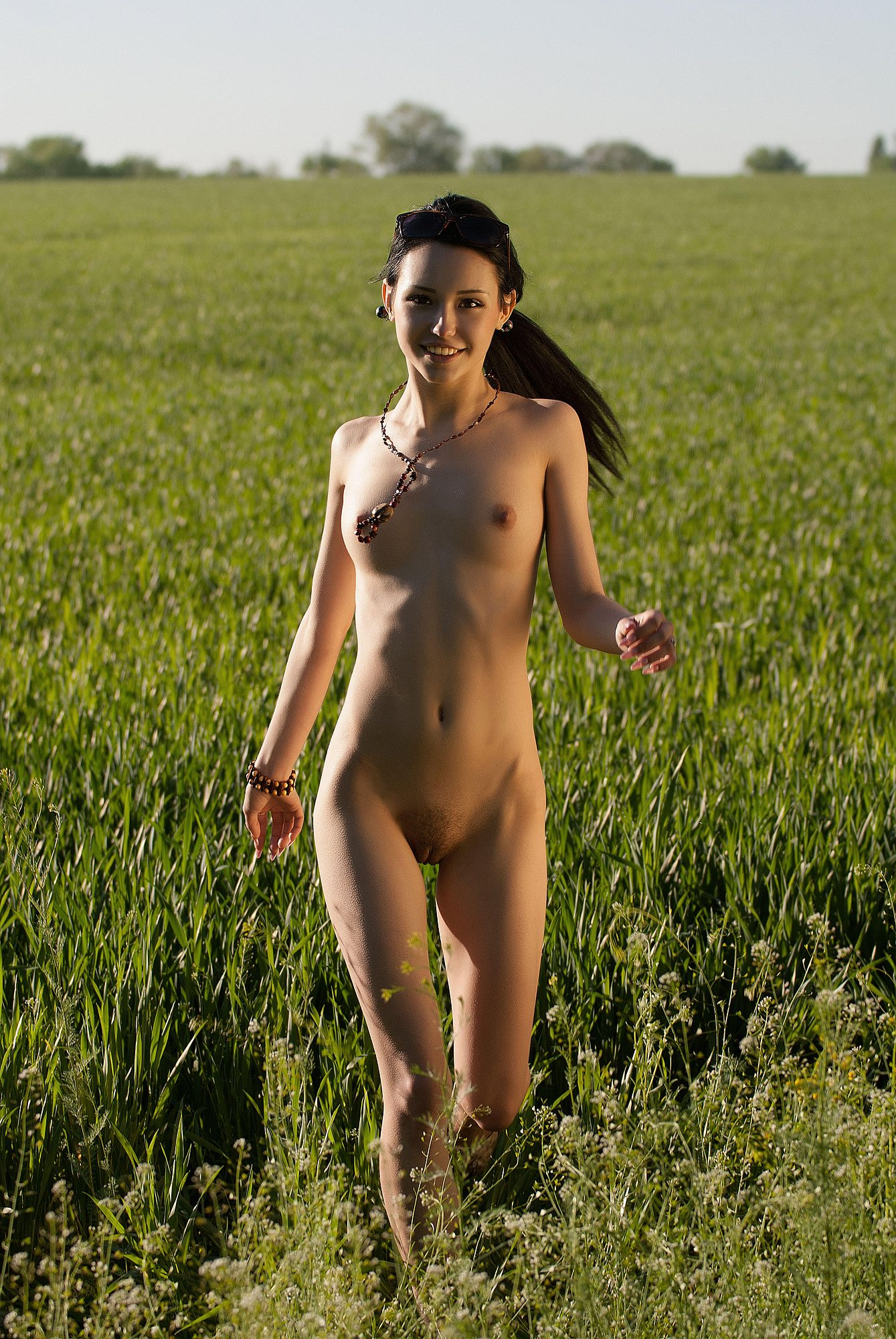 japanise woman jogging naked video