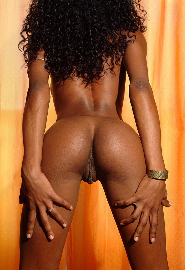 Hot black nude girl | Nude Girls Picture: http://www.nudegirlspicture.com/hot-black-nude-girl/
