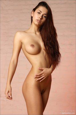 Great body of naked girl