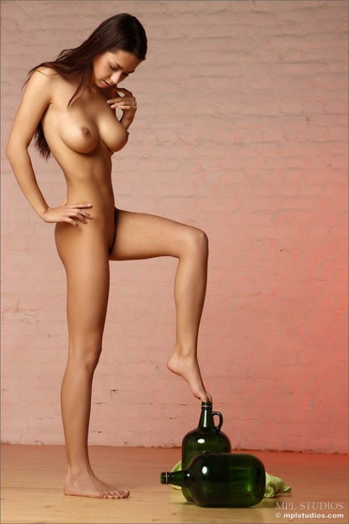 Nude girl Margarete with big breast