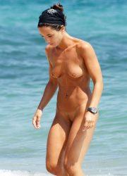 Amateur naked girl