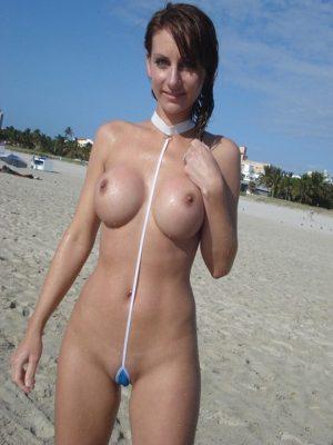 Kinky blonde nude girl