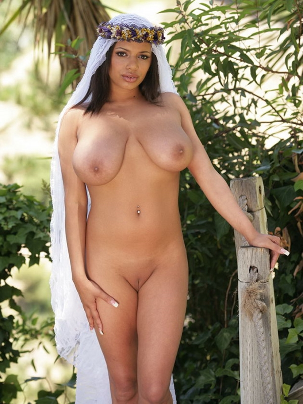arabian naked girls picture