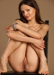 Nude Anabella spreads legs
