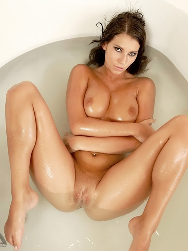 Sexy wet naked women