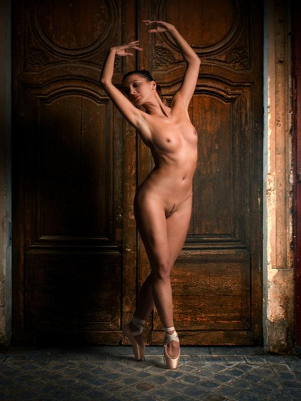 Emily traw nude