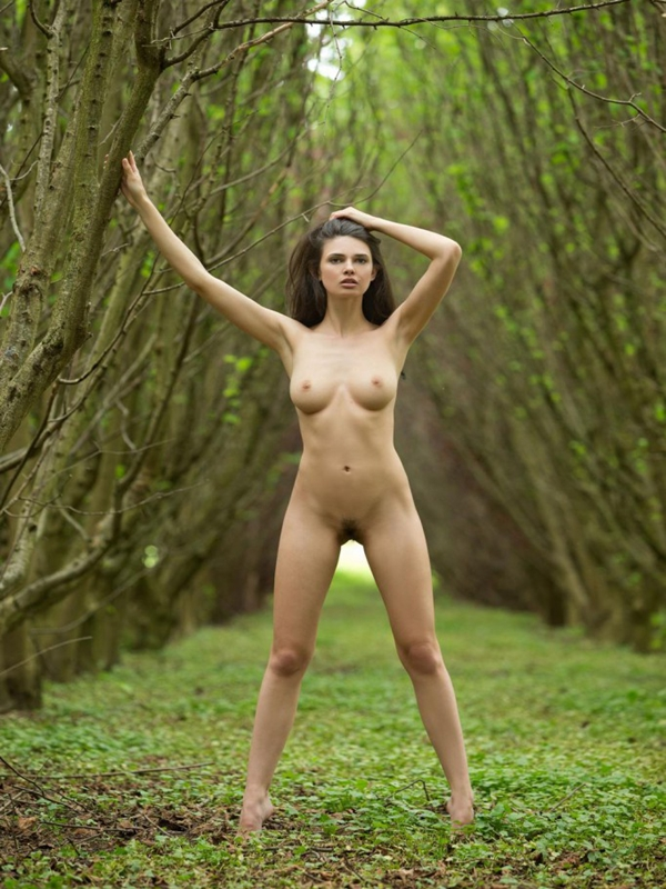 Nude girl with perfect body are mistaken