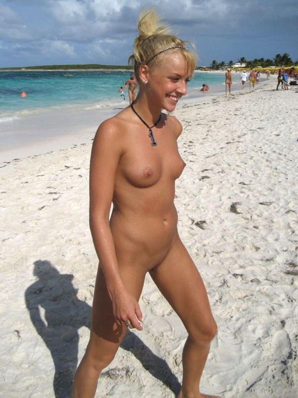 Pretty nudist girl