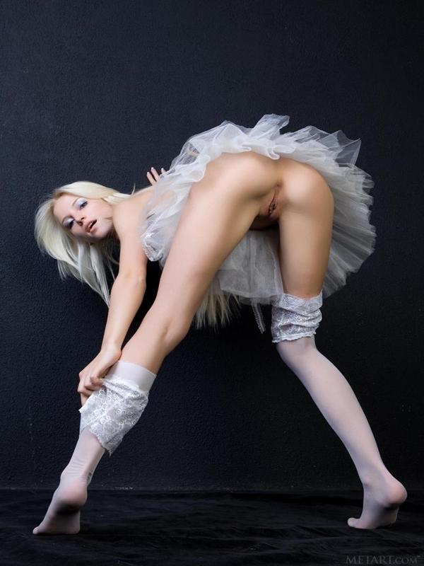 голые балерины и их попки фото.