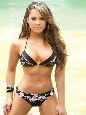 Sexy nude girl in bikini