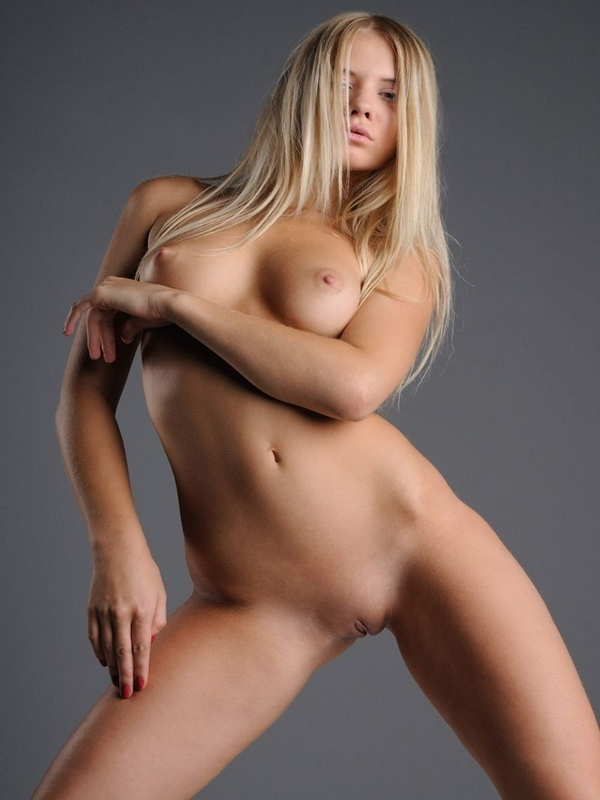 nude-beatiful-nude-blonde-girls